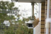 賃貸アパートに防犯カメラを個人で取り付けたい。これって違法? 注意点も!