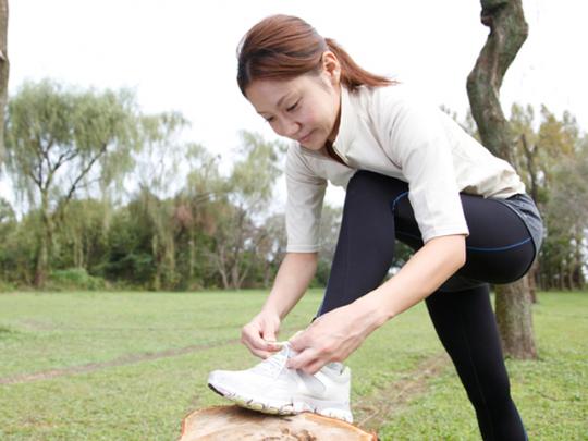 【CHINTAI情報局】知っておくと便利! スニーカー&革靴の靴紐の結び方4種