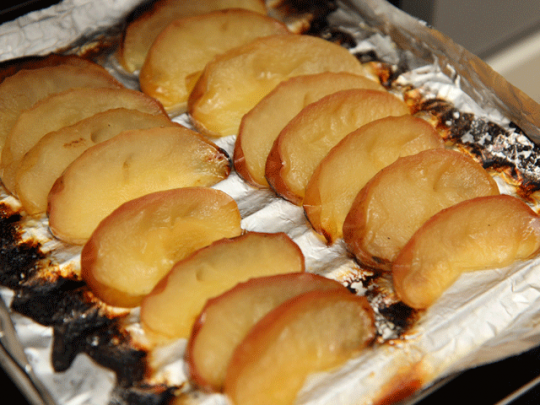 魚焼きグリルで、なんと「焼きりんご」が作れてしまう!