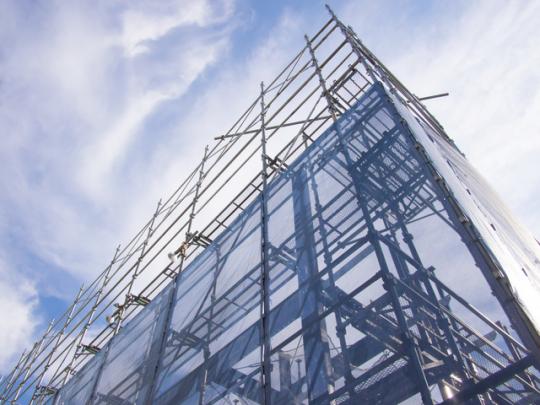 部屋探しをしているなかで気になるのが、建物の構造。「鉄筋」と「鉄筋鉄鋼」ってなにが違うの? 「RC」「SRC」ってなんの略?