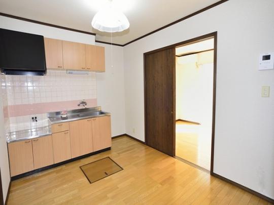 4.5畳以上の広さがないと「DK」と表記はできない。しかし、キッチン設備を含めた広さの表記になっていることもあるので要注意
