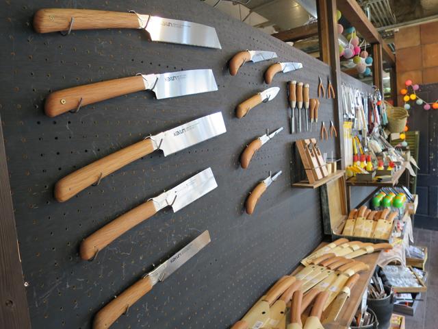工具は持ち慣れたものを長く使って欲しいという思いから、替え刃ができるオリジナルのものを販売