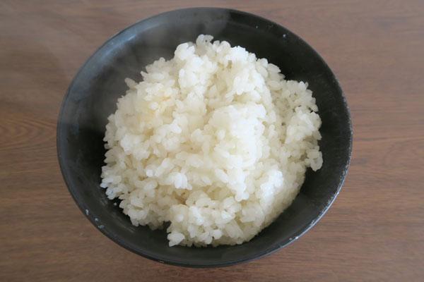 一合炊き容器vs土鍋vsフライパンvs格安炊飯器、ひとり暮らしのベストな炊飯はどれ?