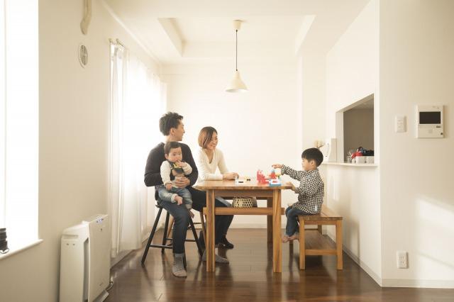 【子育てと賃貸】家族が増えたら家を替える、ミニマリストの子育てを取材してみた