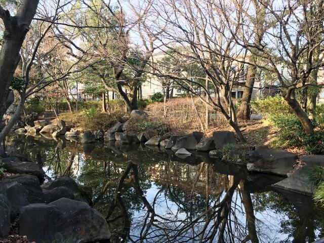 高円寺駅周辺にある馬橋公園