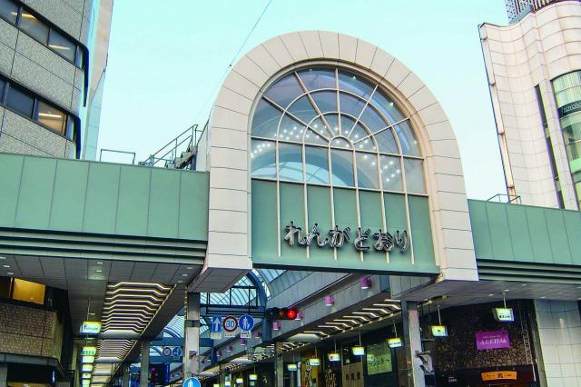 「れんがどおり」と呼ばれる呉を代表する呉中通商店街!