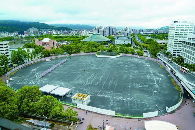 広島市民球場は1957年7月の完成以降、2009年3月31日まで広島東洋カープの本拠地だった