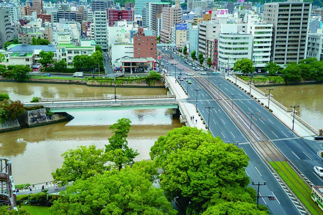相性橋は太田川デルタの3つの洲を結ぶ橋だ