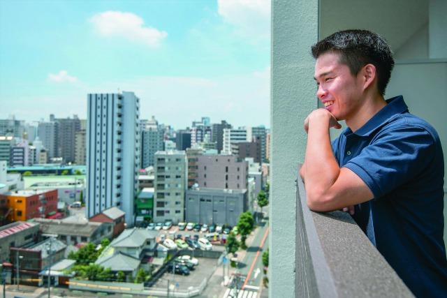 【暮らし探訪】理想のワークライフバランス。留学で人生を変えた29歳男性の部屋