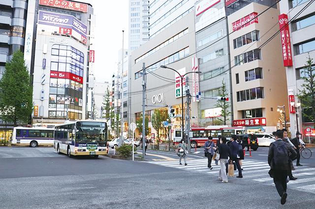 中野駅周辺はファストフードや居酒屋など飲食店が充実|中野駅周辺の住みやすさは? 実際に暮らす住人の評価を聞いてきた