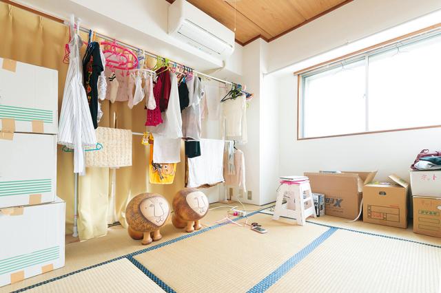 神谷さんのお気に入りの和室。生活感がにじみ出ているが「気にせず撮ってください。ファンの方は私に女子力を求めてないと思うので(笑)」とのこと