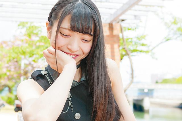 アイドルらしい華奢な見た目とあどけない笑顔の矢野美優さん