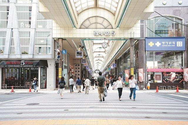 狸小路というのは札幌の古くからの庶民的な商店街