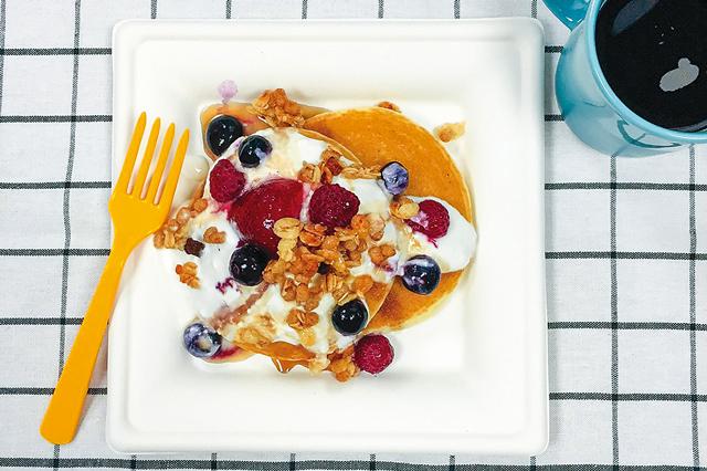 時間がなくてもできる!らくらくアレンジレシピ『フルーツパンケーキ』