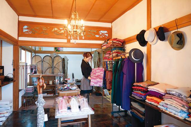 明治大正ロマンをコンセプトに、カジュアルな着物や帯を貸し出す乙女屋
