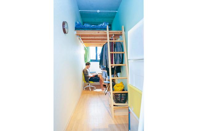 EnglishShare180°金山の一室。部屋はあまり広くはないが、ロフト付きのため窮屈な思いをすることなく過ごせる