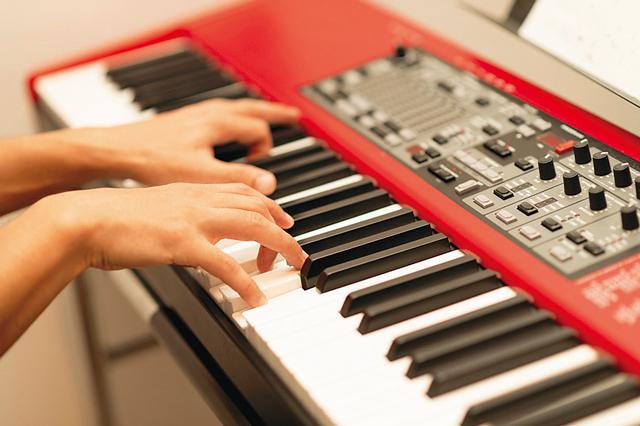 セッションはスタジオ、細かい音取り作業は自室、といった空間の使い分けができるOTOWA神戸元町