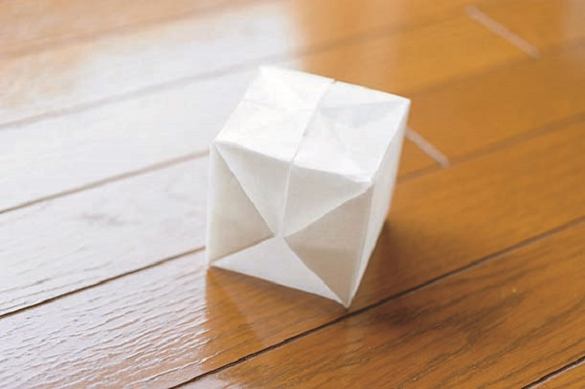 9.ふくらませて、形を四角に整える。同様に好みの数だけ作る。