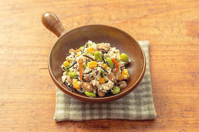 不足しがちなミネラル、食物繊維を補うひじきと豆腐の具だくさんサラダ