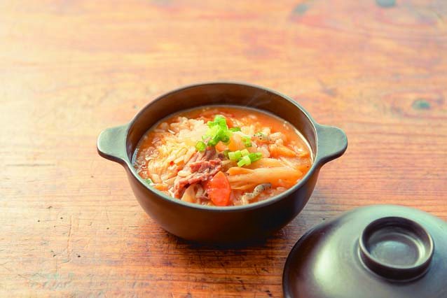 ごはんを雑炊にすることでボリュームUP! 味噌キムチ雑炊