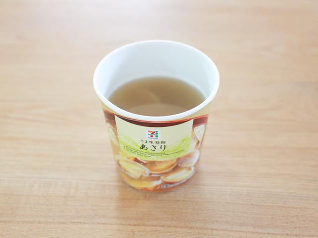 あさりの味噌汁には表記通りの湯をそそぐ