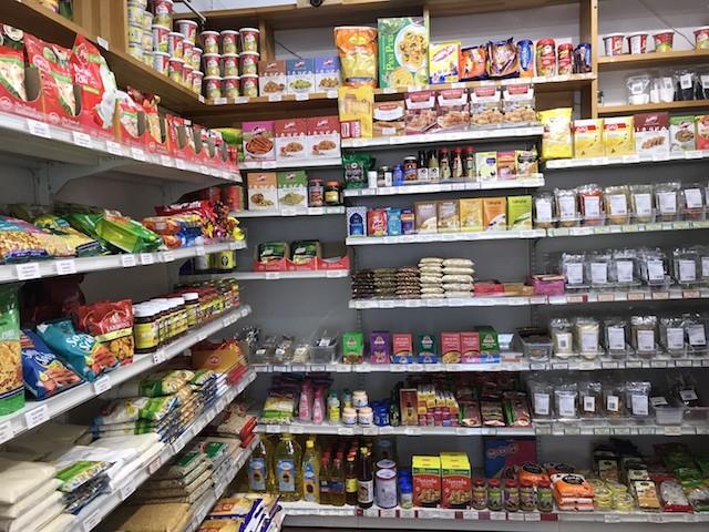 小さな店だが必需品は一通りそろっている模様|TWVS FOODS