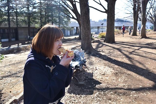 片山智香子さん。基本「外パン(外でパンを食べること)」を好む