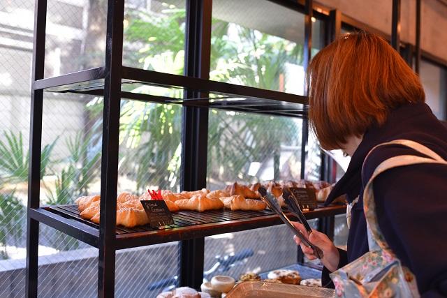 クロワッサン以外にも、片山さんがビビっときたパンを購入|griotte