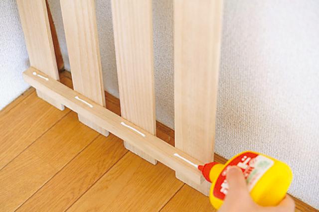 木工用ボンドを塗るのは接着面だけ|すのこ収納棚
