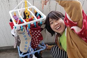 狭いベランダに洗濯物をたくさん干す方法を家事・収納アドバイザー本多弘美先生と実践!