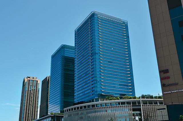 関西圏最大のターミナル 洗練されたビジネス街・梅田