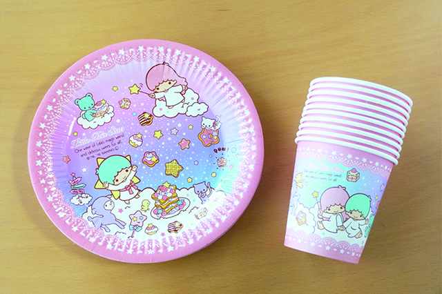 Littre twin stars 紙皿18cm(8枚入)・紙コップ(10個入) 各108円|ダイソー