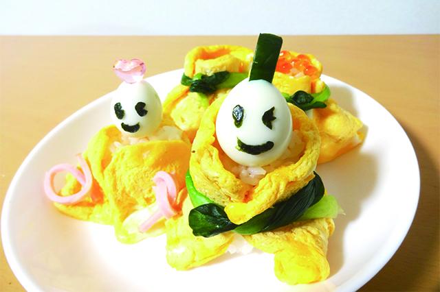 今回は薄焼き卵メーカーとのりパンチの組み合わせで茶巾寿司にした|のり用パンチ なかよし(ダイソー)