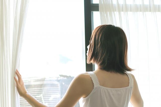 東向きなら朝を気持ちよく迎えることができそう|南向きの部屋VS東向きの部屋