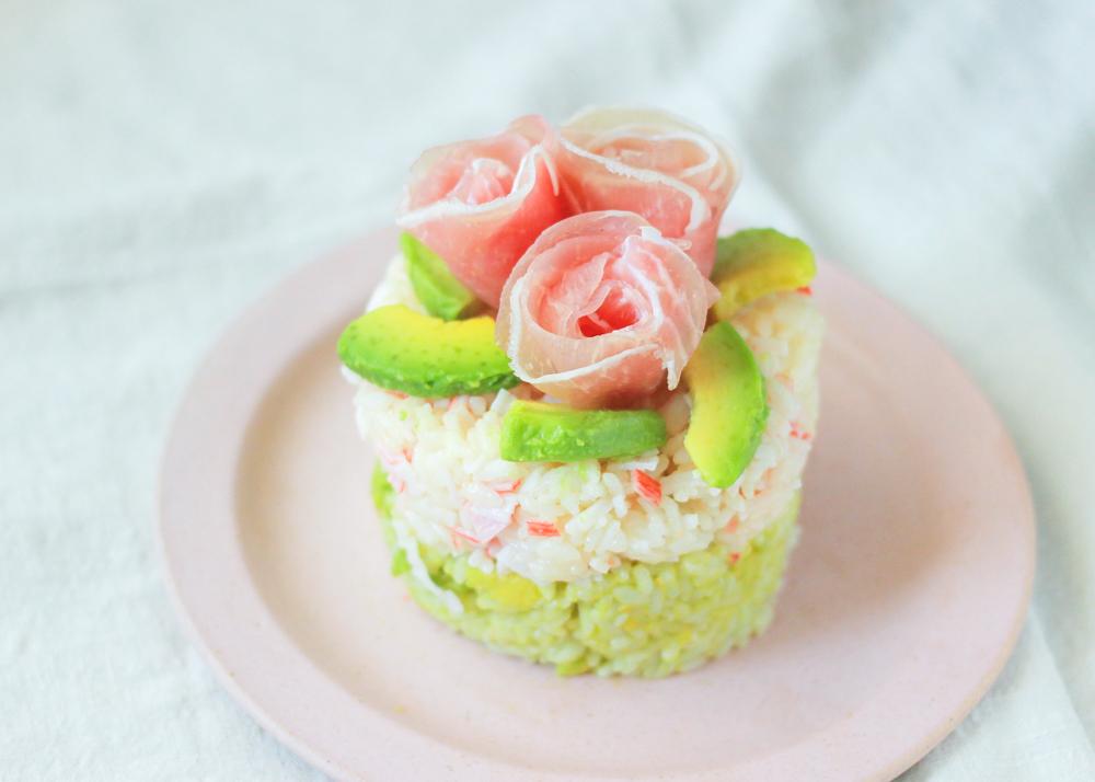 ケーキのようなちらし寿司の完成!インスタ映えも間違いなし!|ちらし寿司ケーキ