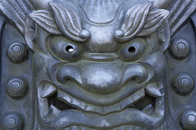 鬼瓦(昔の不動産屋さんのイメージ)|4月まで余っている賃貸物件は「やばい物件」? 不動産のプロ・長谷川高氏に実情を聞いた