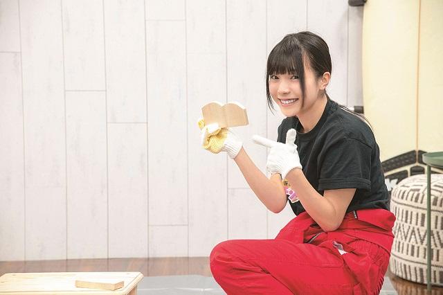 コーヒーペーパーホルダー用が完成!「カーブも電動のこぎりならきれいに切れる~!でもちょっと……おしりみたい……(笑)」と立花あんなさん|仮面女子・立花あんながDIYに挑戦! コーヒードリップスタンドを作ってみた