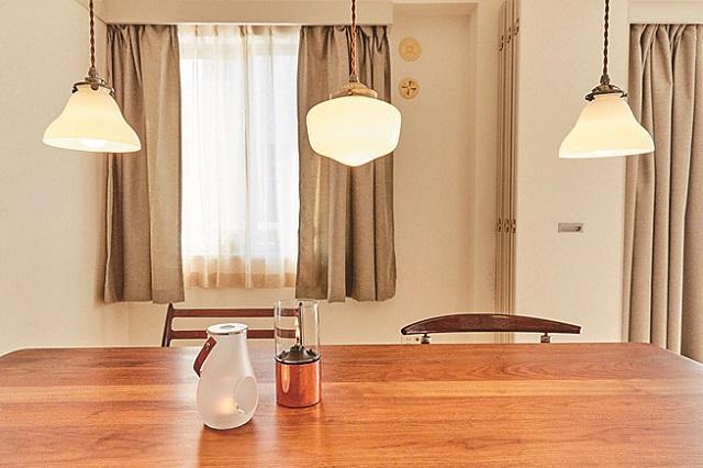 3つの照明は電球の色も統一|【インテリアコーティネート術】ショップスタッフに聞いた統一感を出す空間づくりのコツ