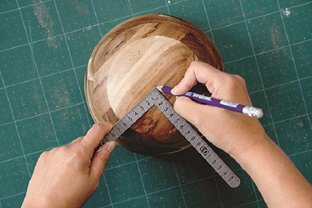 印は後ほど見えなくなる|ニトリの木製ボウルでお菓子&カップ入れを作ろう!
