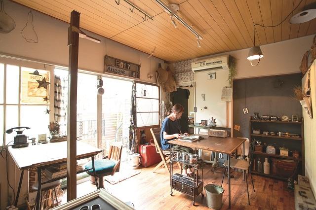 3LDKの賃貸物件に住むM.Hさんに、インダストリアルインテリアの部屋づくりを学ぶ!|【インテリアコーディネート術】住まいと店舗を使い分け!バッグ職人の空間づくりとは?