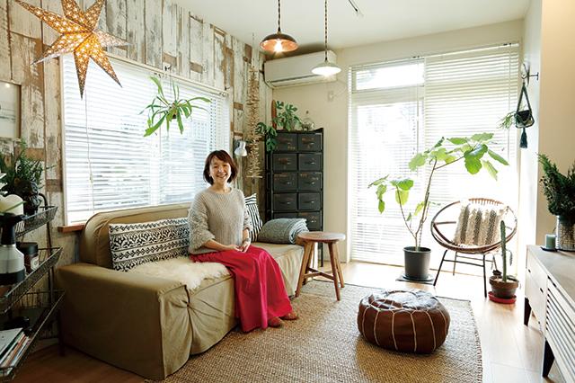 整理収納アドバイザー・村上直子さん宅のリビング。築28年の木造住宅だ|失敗しないソファ選びのポイントを整理収納アドバイザー・村上直子さんに聞いてきた