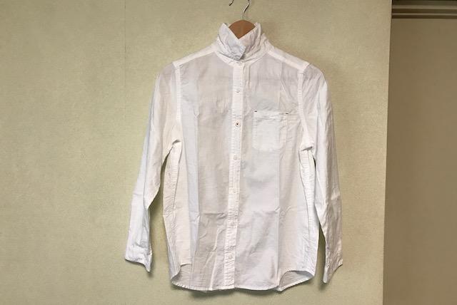 チェストから出したシャツ。大小さまざまなシワが入っていて着られない|アイロン台不要?100均のアイロングッズできれいにアイロンをかけられるのか試してみた