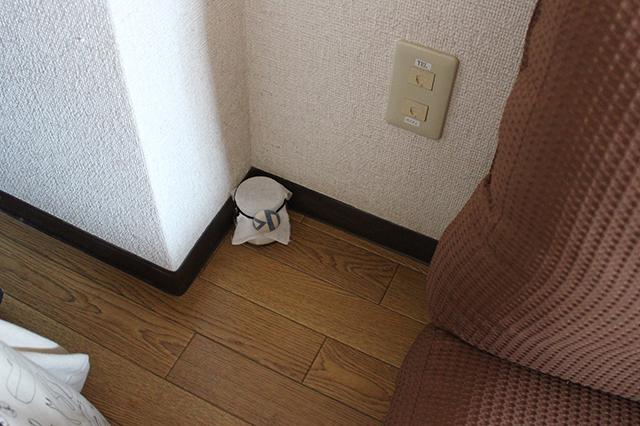 臭いを消したいものの近くとか、風が通りにくい場所(部屋の隅っこ)に置いておくと効果的なんだって!|部屋の消臭対策!部屋の嫌な臭いを取る方法