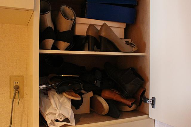 ババーン。四季折々の靴が全員集合!|部屋の消臭対策!部屋の嫌な臭いを取る方法