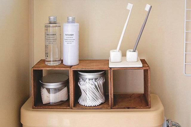 【賃貸DIY】トイレタンクの上に100均の便利グッズで収納を作ろう!