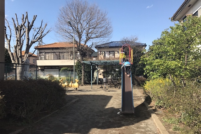 「大沼町第5児童公園」は住宅に囲まれた小さな公園だった 〝日本一大きい丸ポスト〟のある街・小平はノスタルジック&SNS映えする風景の宝庫だった