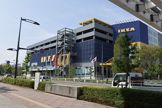 IKEAは多摩都市モノレールで立川北駅から1駅・高松駅の目の前。立川駅から徒歩でも12分ほどで到着する|立川駅周辺の住みやすさは? 家賃相場・治安など実際に暮らす住人の評価を聞いてきた