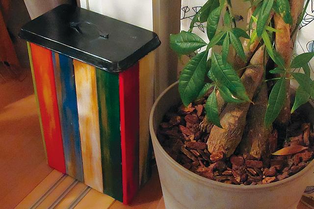 好きな色を取り入れて、簡単にケーブル収納ボックスを作っちゃおう!|【賃貸DIY】100均グッズで簡単&おしゃれなケーブル収納ボックスを自作しよう!