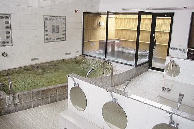 清潔感のある空間で、体を芯から温め癒やしてくれる|銭湯JAPAN主宰・神藤啓司さんおすすめの銭湯・テルメ末広(志茂)