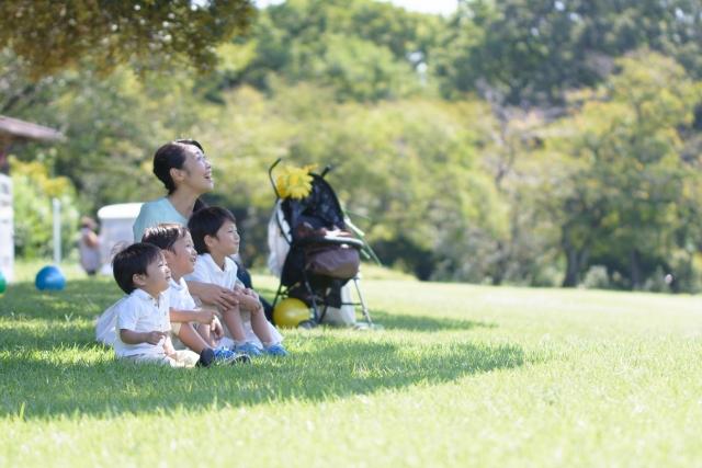 子育てはのびのびとした整った環境でおこないたい。子育てにいい街を選ぼう!|育児をするならどの街? 家族で住む場所や環境の選び方を早稲田大学の佐藤将之先生に聞いてきた